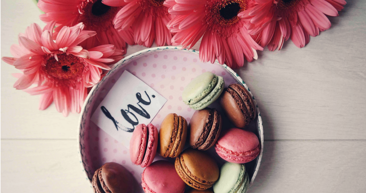 Food - Top 10 Valentine's Day Wedding Style Ideas - Sarah Young wedding-day-love-treats