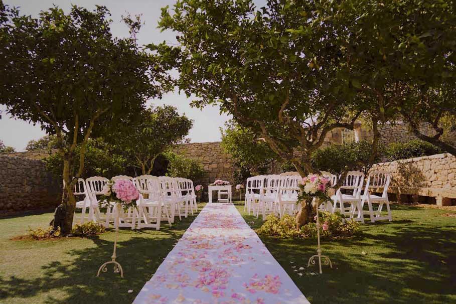 Pink-wedding-setting-decor-inspiration-sarah-young