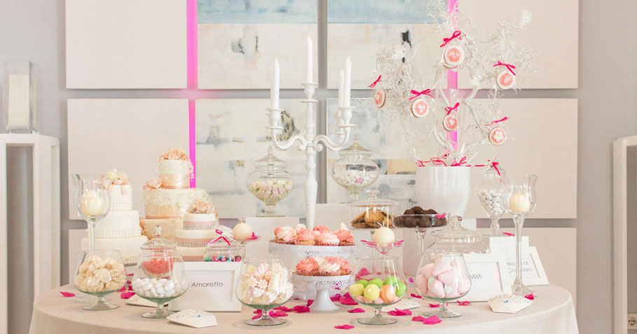 Pink-wedding-theme-treats-sarah-young
