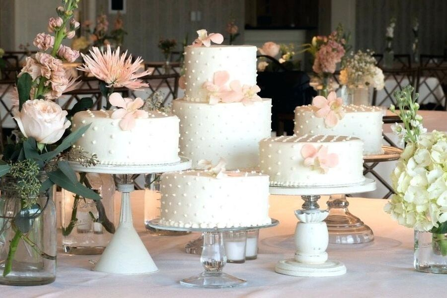 Elevated-naked-wedding-cake-ideas-sarah-young-2